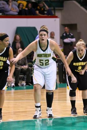 Freshman center Courtney Lemon