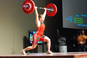 Robin Feuerman completes a lift at 69 kg