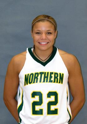 Senior guard Chelsea Lyons