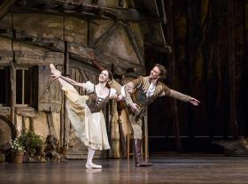 Giselle (Royal Ballet photo)